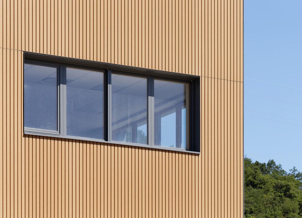 Traitement des points singuliers en façade